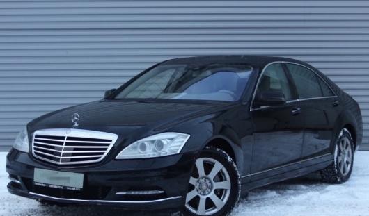 Аренда автомобиля Mercedes-Benz S-class (221) с водителем в Казани